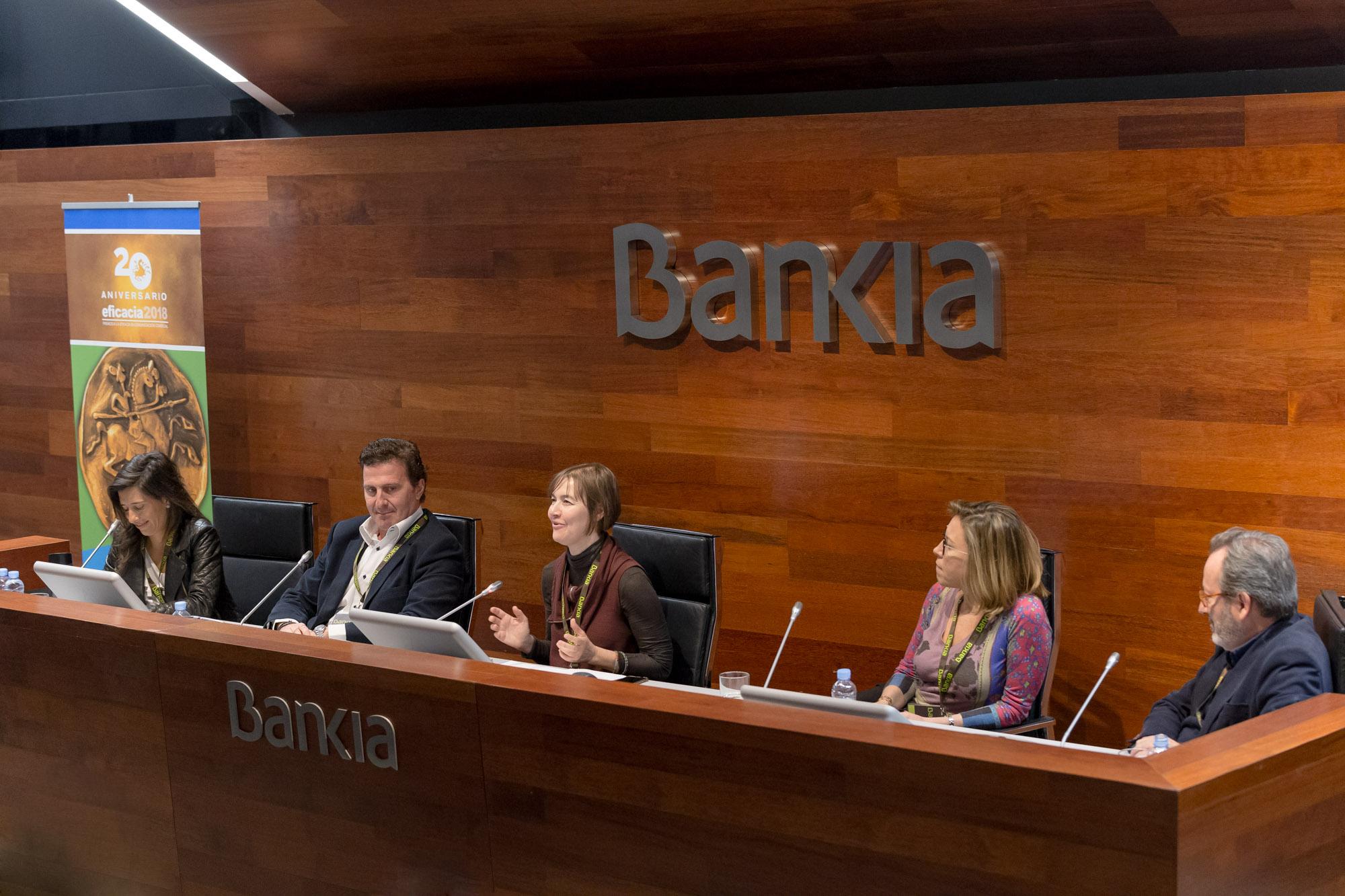 Mesa de debate. De izquierda a derecha Cristina Barbosa (Vodafone), Dante Cacciatore (Telefónica España), Nuria Serrano (APG Spain), Neus Martínez (Nestlé España) y Jaime Lobera (Campofrío Food Group)